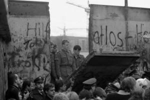 009_berlin_wall_open